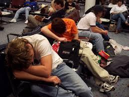 viajeros cansados